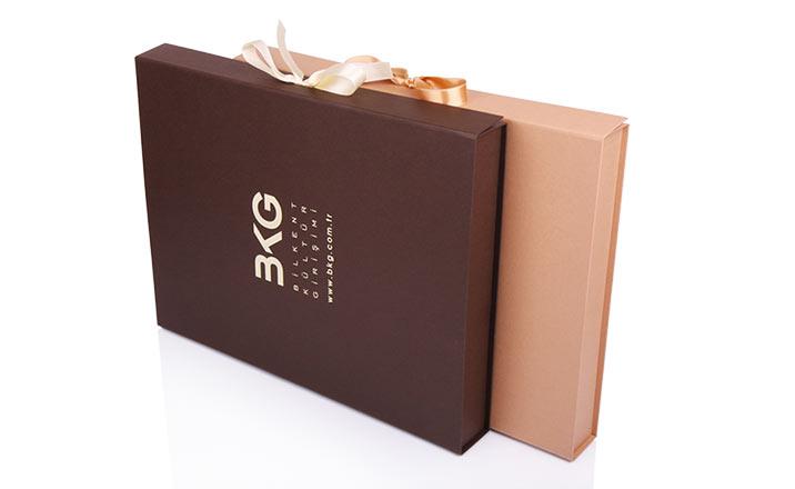 Луксозни опаковки - Кутия за книги 05