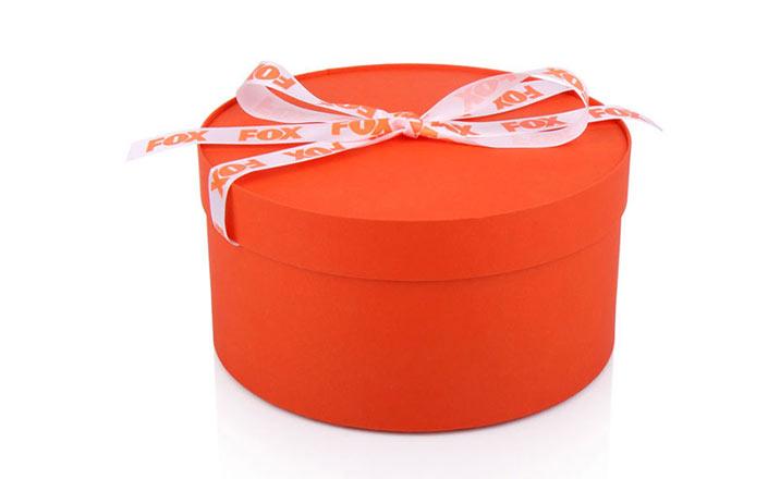 Луксозни опаковки - Тубус с панделка за бизнес подаръци